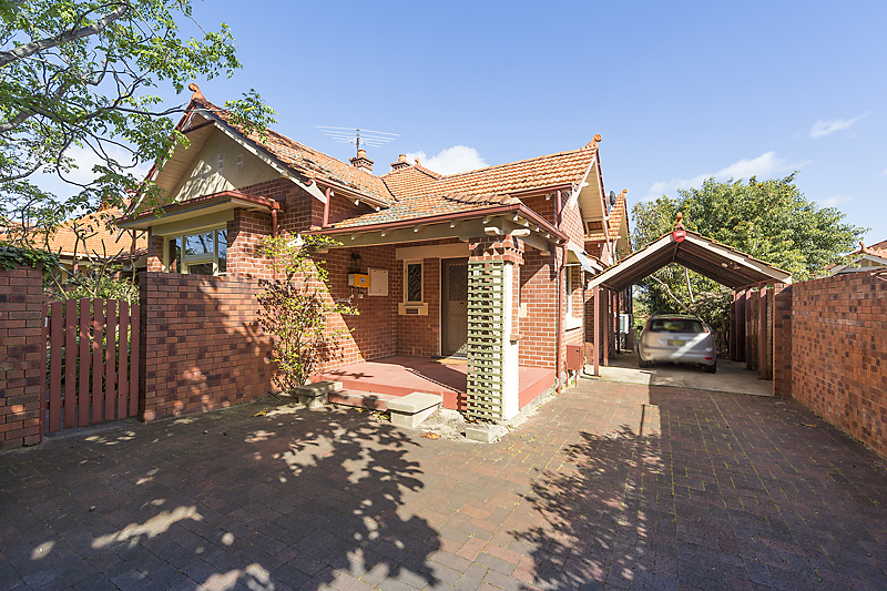 26 HILL VIEW ROAD, MOUNT LAWLEY, 6050