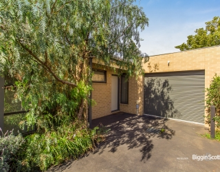 3/3 MONTASELL AVENUE, DEER PARK, 3023